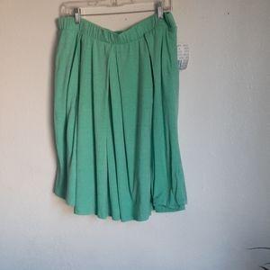 WNT LULAROE XL midi SKIRT light green
